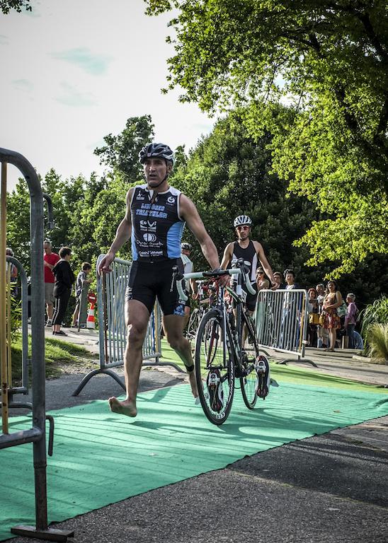 Comme vous courez bien avec le vélo à la main chef !