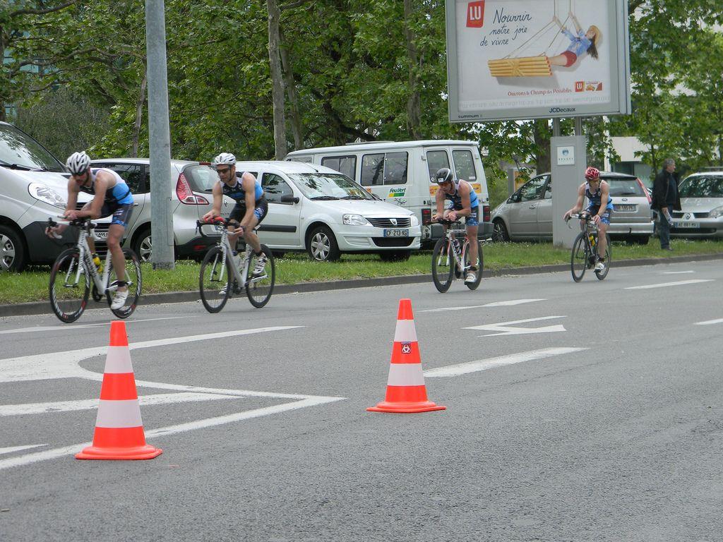 Bordeaux, vélo 1/2 tour
